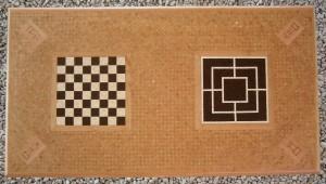 Tavolino-con-scacchiera-e-tris